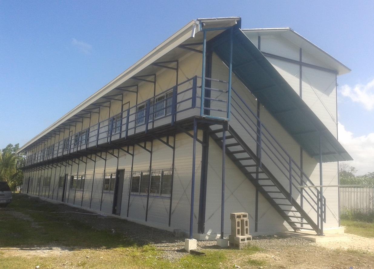 RDFP KITHOUSE BUILDING AT VIDAR, NCR, MADANG, PNG